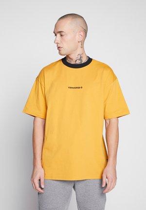 WORDMARK - Print T-shirt - sunflower gold