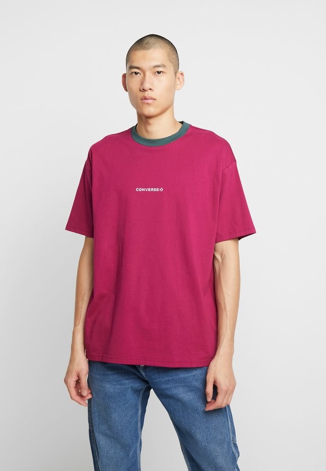 WORDMARK - T-shirt print - rose maroon