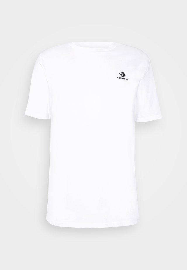 MENS EMBROIDERED STAR CHEVRON LEFT CHEST TEE - Basic T-shirt - white