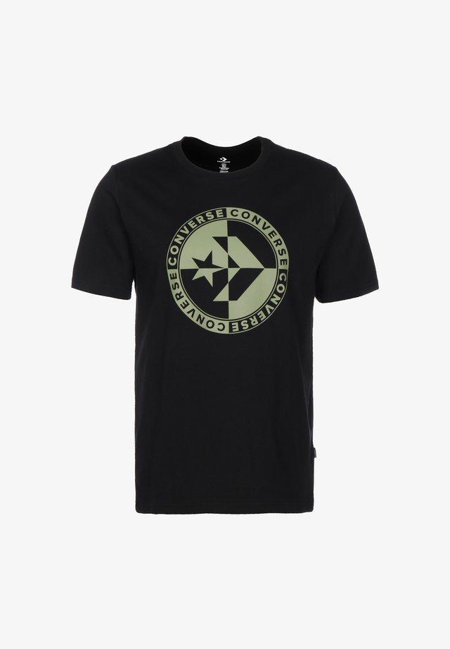 CHECKERED STAR CHEVRON HERREN - Print T-shirt - converse black