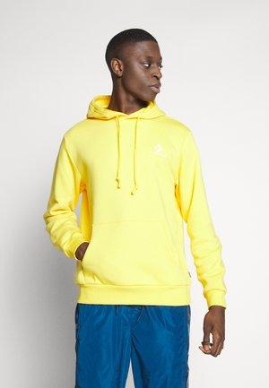 STAR CHEVRON HOODIE - Jersey con capucha - amarillo