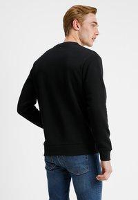 Converse - STAR CHEVRON CREW - Sweatshirt - black - 2
