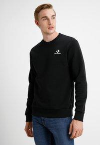 Converse - STAR CHEVRON CREW - Sweatshirt - black - 0
