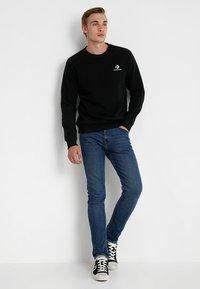 Converse - STAR CHEVRON CREW - Sweatshirt - black - 1