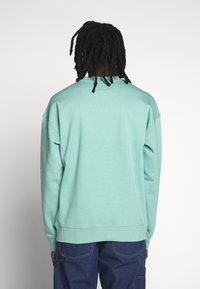 Converse - MOCK NECK CREW - Sweatshirt - mineral teal - 2