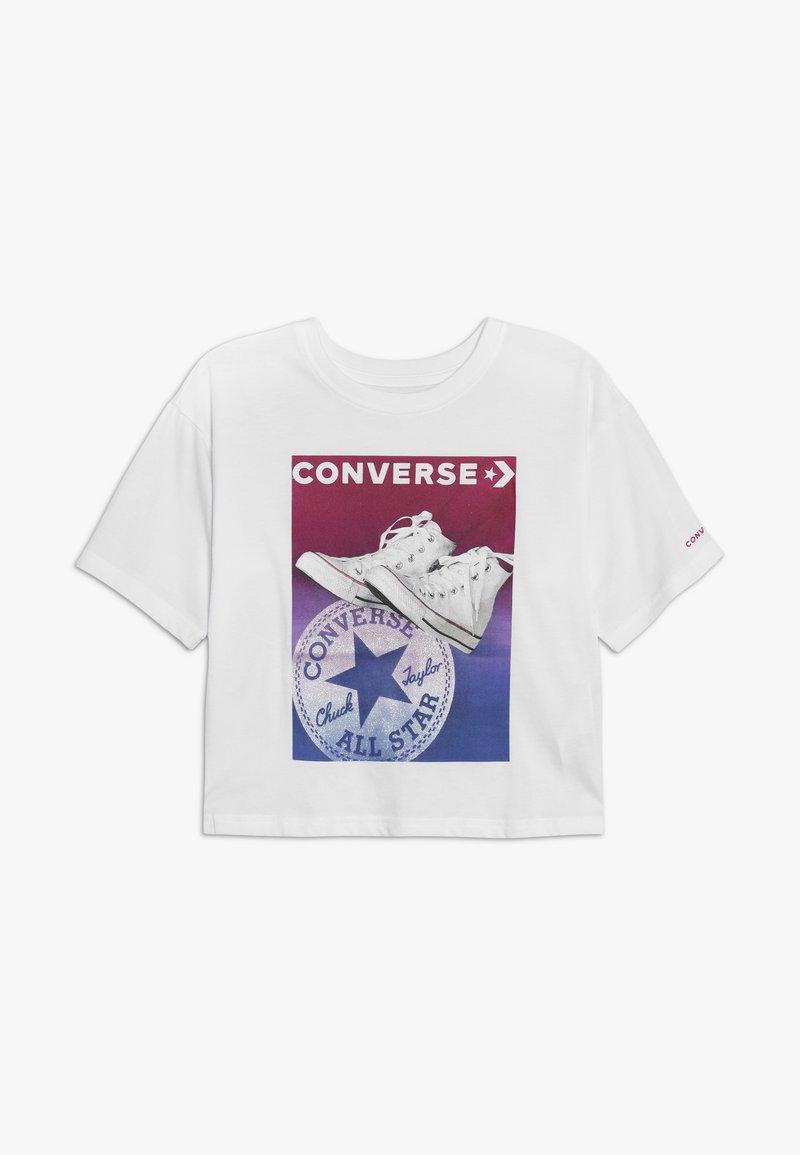 Converse - GRADIENT CHUCK STANCE TEE - Print T-shirt - white