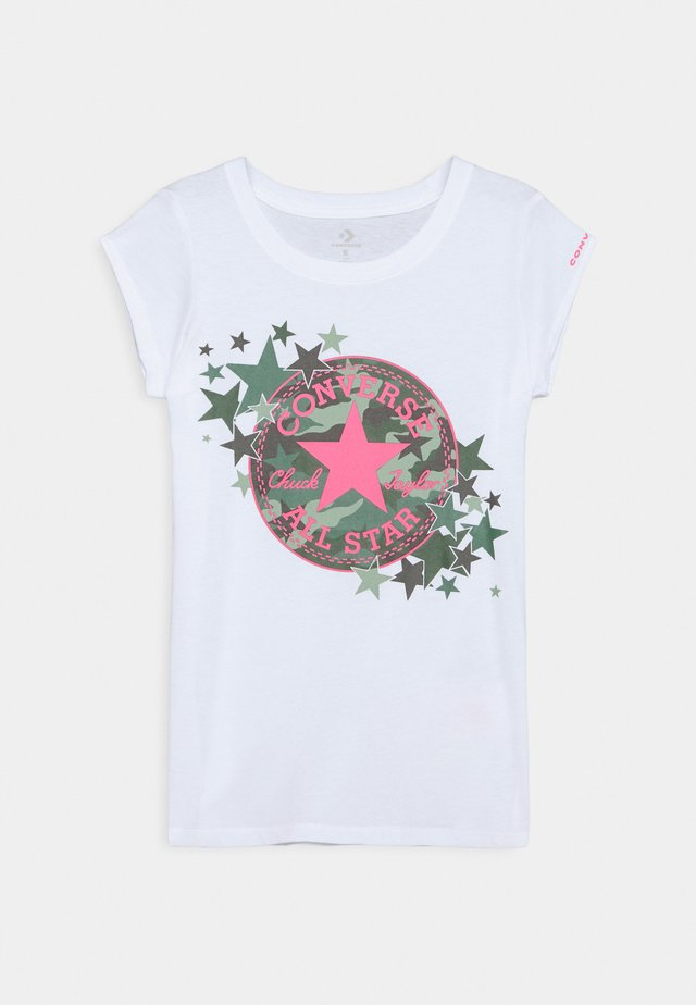 CHUCK PATCH CAMO STAR TEE - Camiseta estampada - white