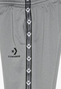 Converse - STAR CHEVRON COLORBLOCK TAPING TRACK PANT - Teplákové kalhoty - dark grey heather - 3