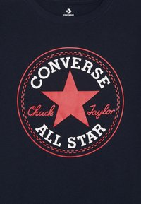 Converse - CORE CHUCK PATCH TEE  - T-shirt con stampa - obsidian/red - 3