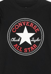 Converse - CORE CHUCK PATCH TEE  - T-shirt imprimé - black