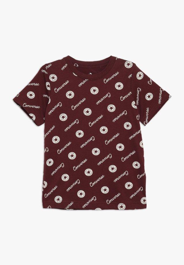 MICRO SIGNATURE CHUCK PRINTED TEE - T-shirts med print - dark burgundy