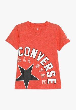 SIDEWAYS LOCKUP TEE - T-shirt con stampa - habanero red