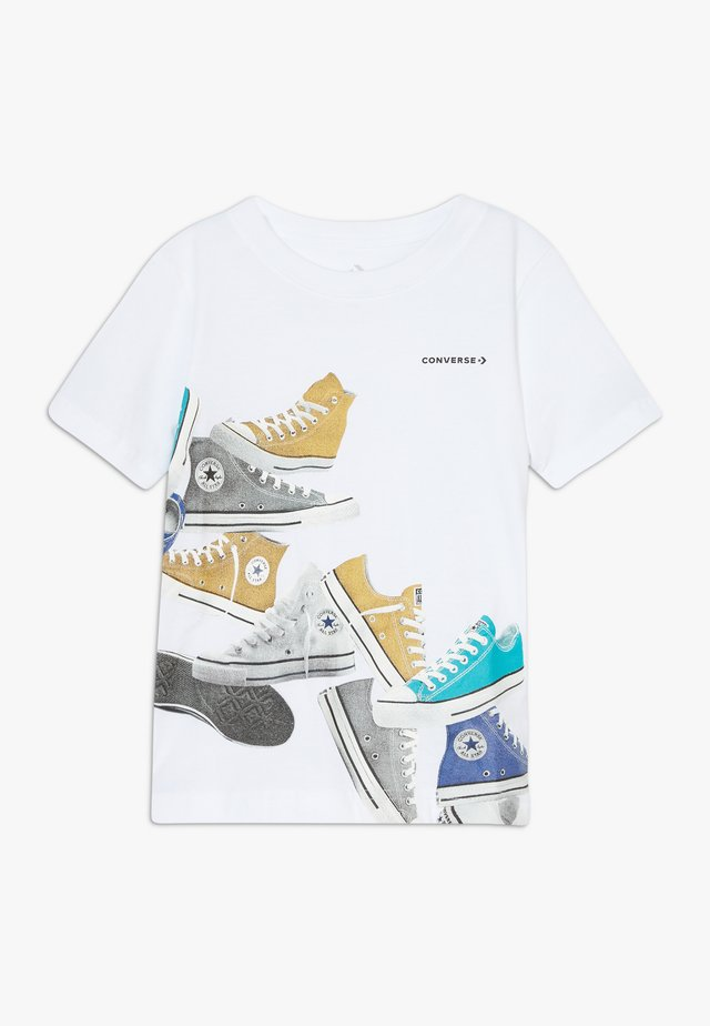 ASCENDING SNEAKERS TEE - T-shirt print - white