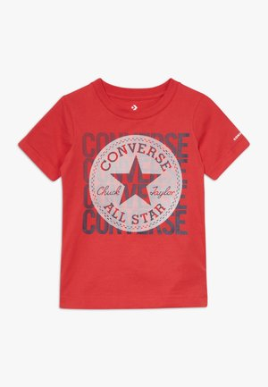 LINEAR OVERLAY CHUCK PATCH TEE - T-shirt con stampa - university red