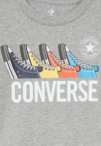 Converse - MULTI TEE - T-shirt med print - dark grey heather - 3