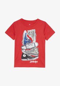 Converse - STACKED REMIX TEE - Camiseta estampada - university red - 2