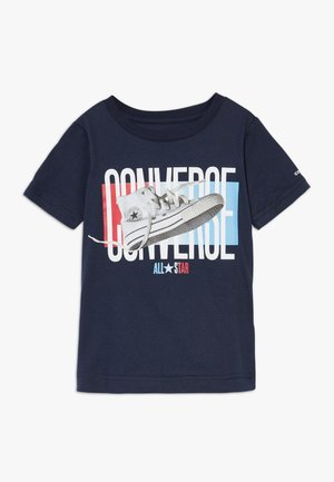PHOTOREAL GRADIENT TEE - T-shirts print - obsidian