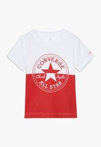 Converse - SPLICED CHUCK PATCH TEE - Triko spotiskem - white - 0