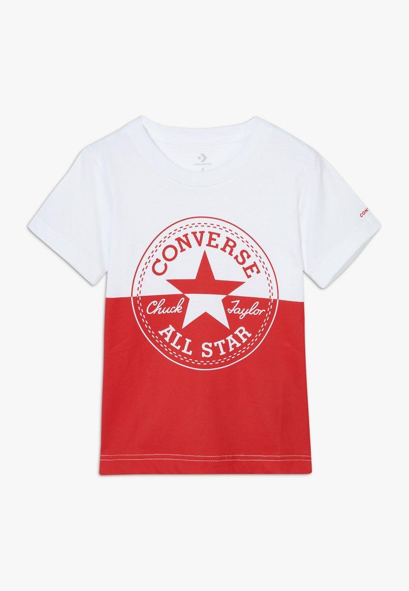 Converse - SPLICED CHUCK PATCH TEE - Triko spotiskem - white