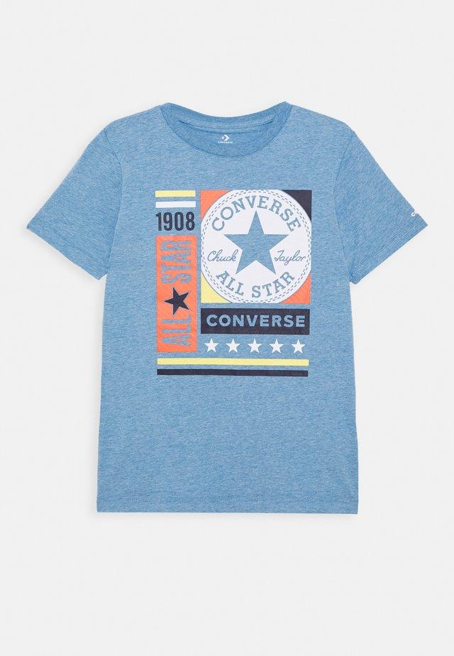 MIXED BOXES TEE - T-Shirt print - coast heather