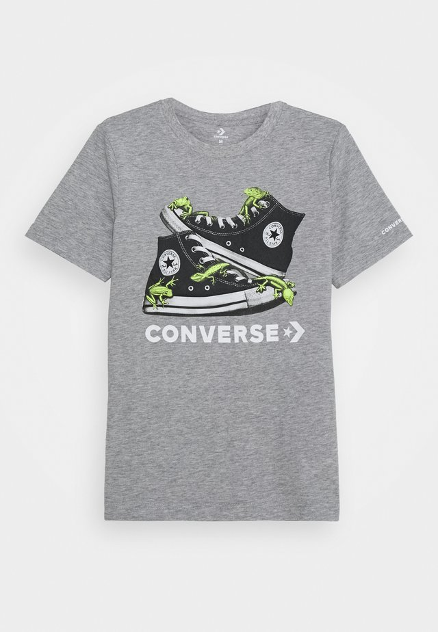 BIO CHUCKS TEE - T-shirts med print - dark grey heather