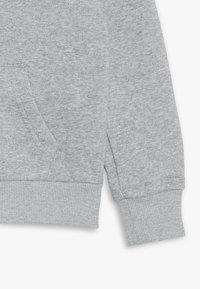 Converse - CHUCK PATCH FULL ZIP HOODIE  - Mikina na zip - dark grey heather - 2