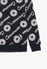 Converse - SIGNATURE CHUCK PRINTED HOODIE - Mikina skapucí - obsidian - 3