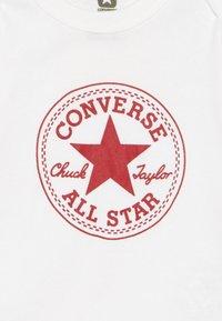 Converse - BABY GIFT SET - Body - white - 4