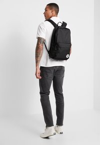 Converse - EDC POLY BACKPACK - Ryggsekk - black - 1