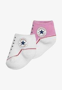 Converse - BOOTIES BABY 2 PACK - Strumpor - pink/white - 4