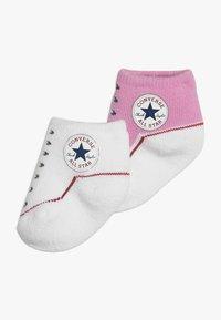 Converse - BOOTIES BABY 2 PACK - Strumpor - pink/white - 0