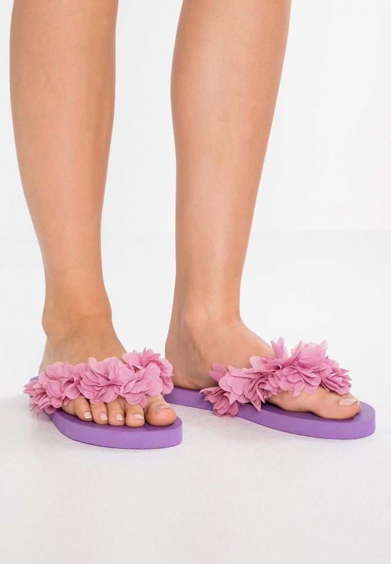 Colors of California - T-bar sandals - purple