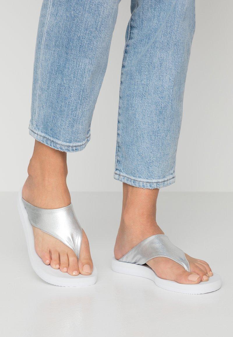Colors of California - T-bar sandals - silver