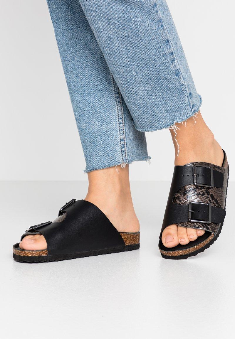 Colors of California - Slippers - black