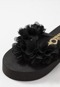 Colors of California - Sandály s odděleným palcem - black - 2