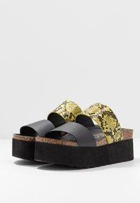 Colors of California - Pantofle na podpatku - yellow - 4