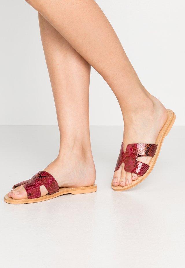 Sandaler - fuxia
