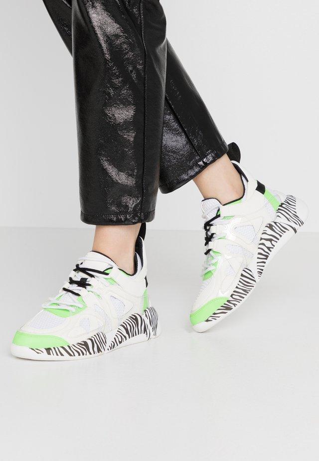 SPEED - Sneakersy niskie - lime