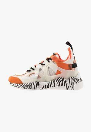 SPEED - Sneaker low - orange