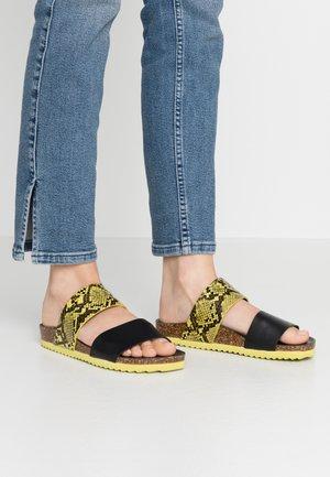 Sandalias planas - yellow
