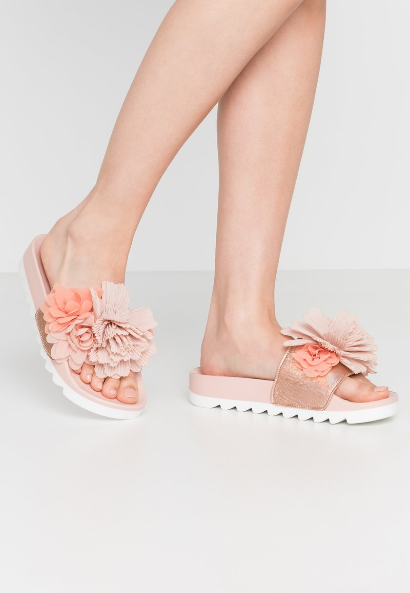 Colors of California - Mules - coral