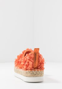 Colors of California - Espadrilky - coral - 5