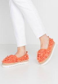 Colors of California - Espadrilky - coral - 0