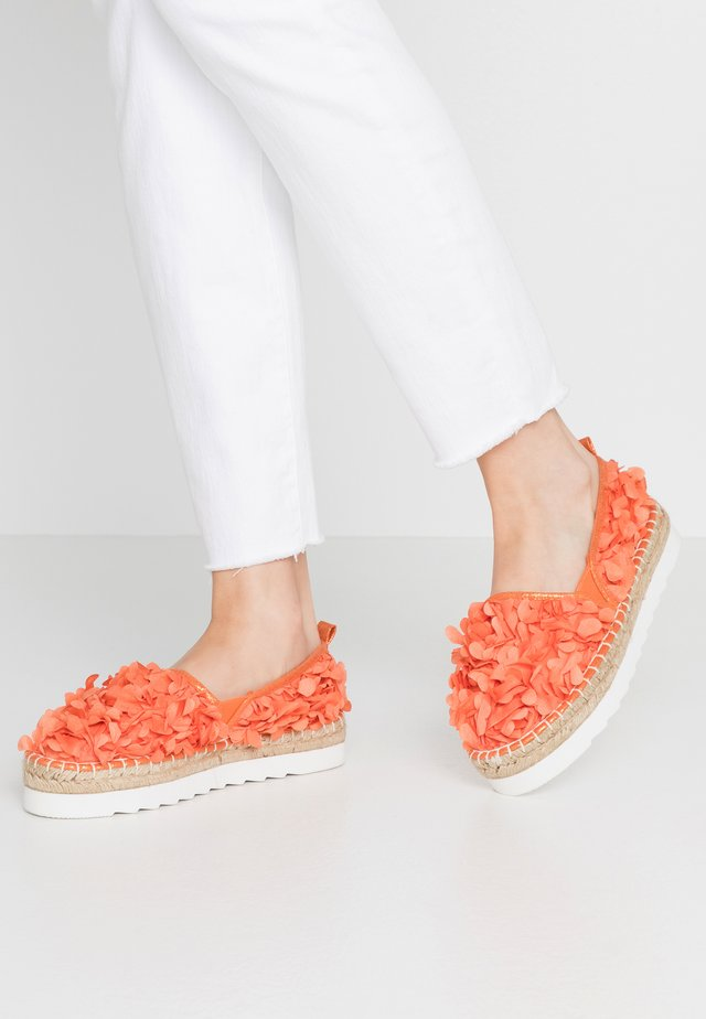 Espadrilky - coral