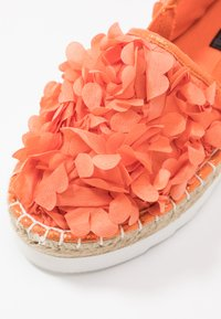 Colors of California - Espadrilky - coral - 2