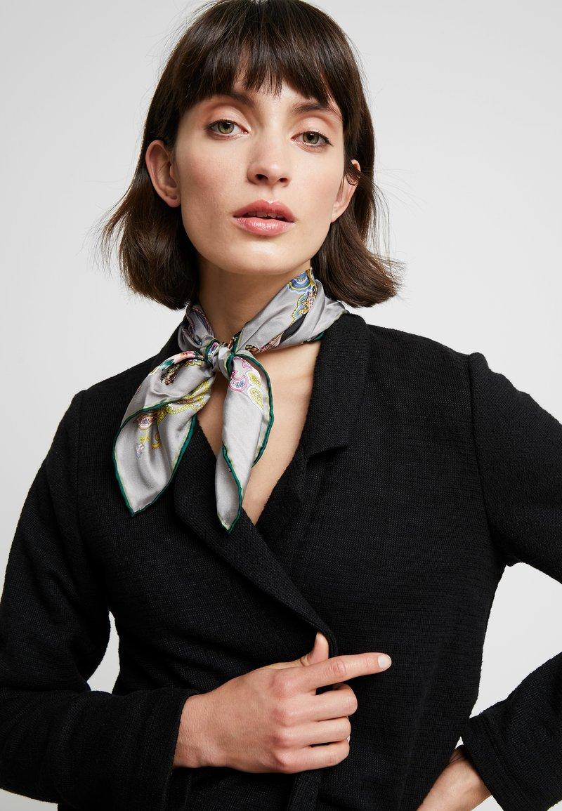 Codello - FLOWER PAISLEY PRINT - Šátek - grey