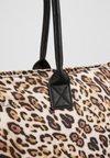 Codello - LEO PRINT - Shoppingveske - camel