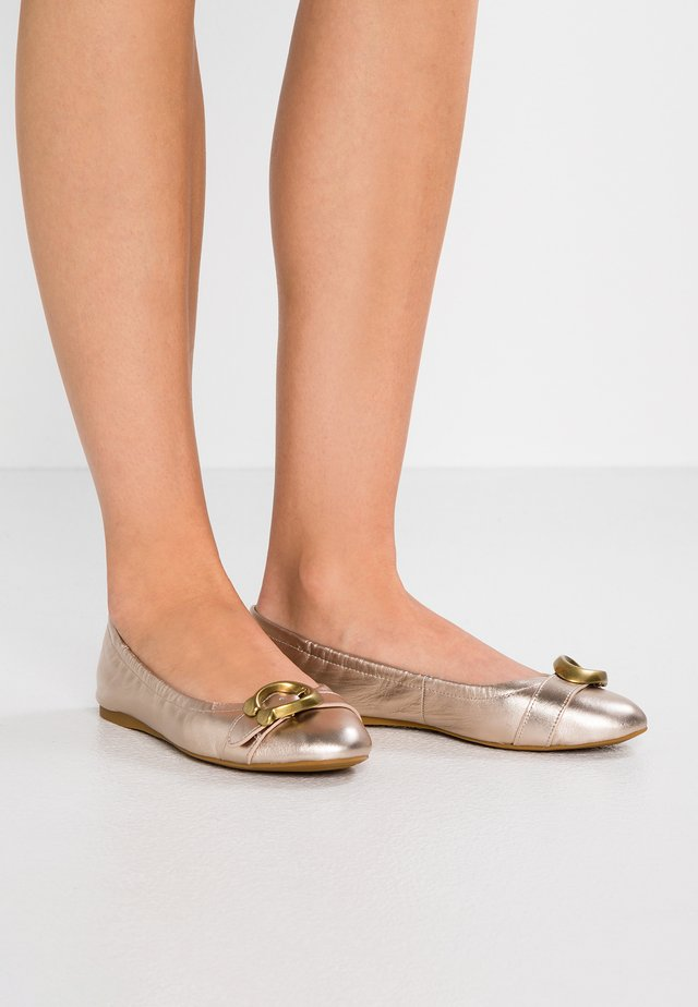 STANTON BALLET  - Klassischer  Ballerina - champagne