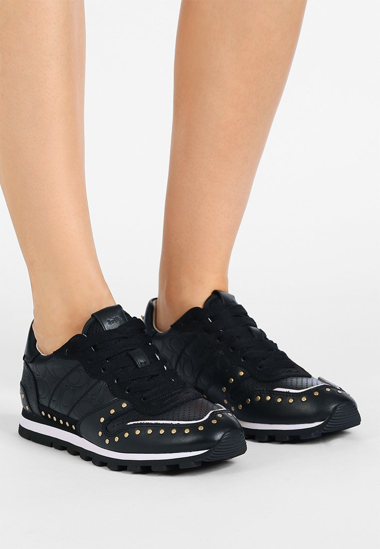 Coach - RUNNER WITH RIVETS AND SIGNATURE - Sneakers laag - black