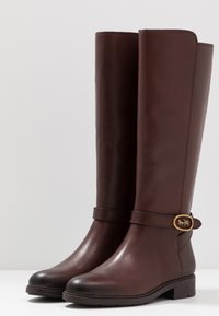 Coach - RUBY AND CARRIAGE BOOT - Boots - walnut - 4